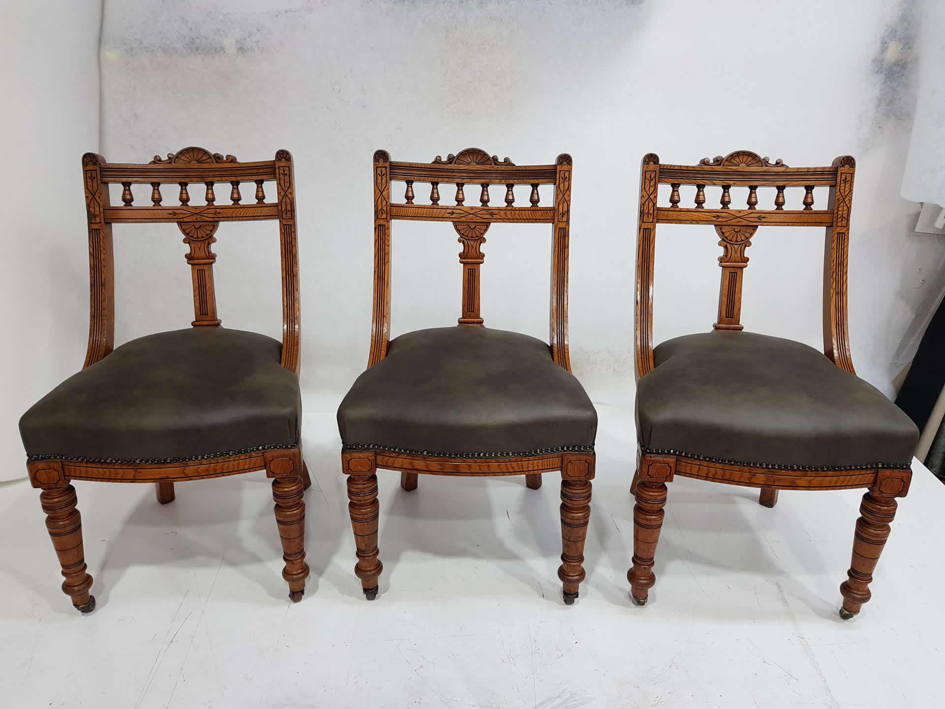 1-antique-dining-chairs