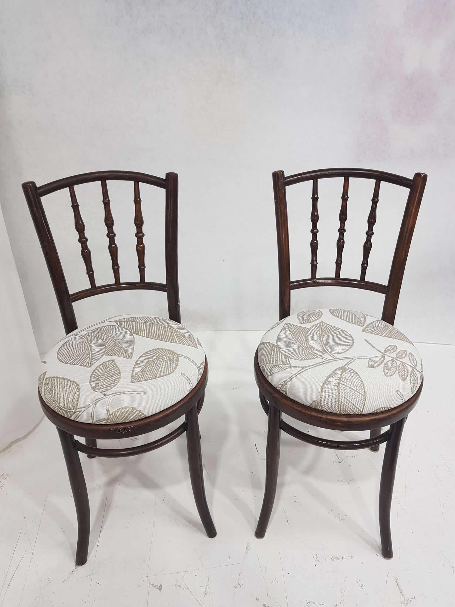 3-Dining-chairs