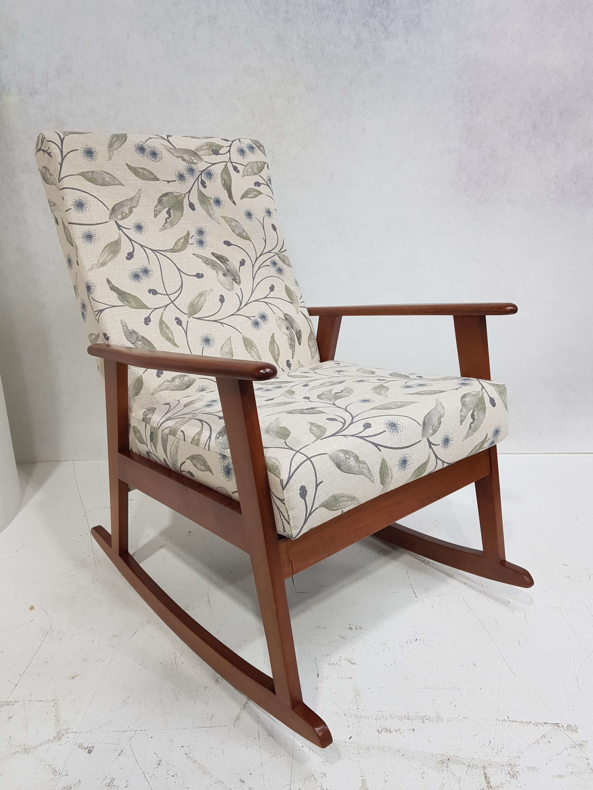 Rocking-chair-scaled