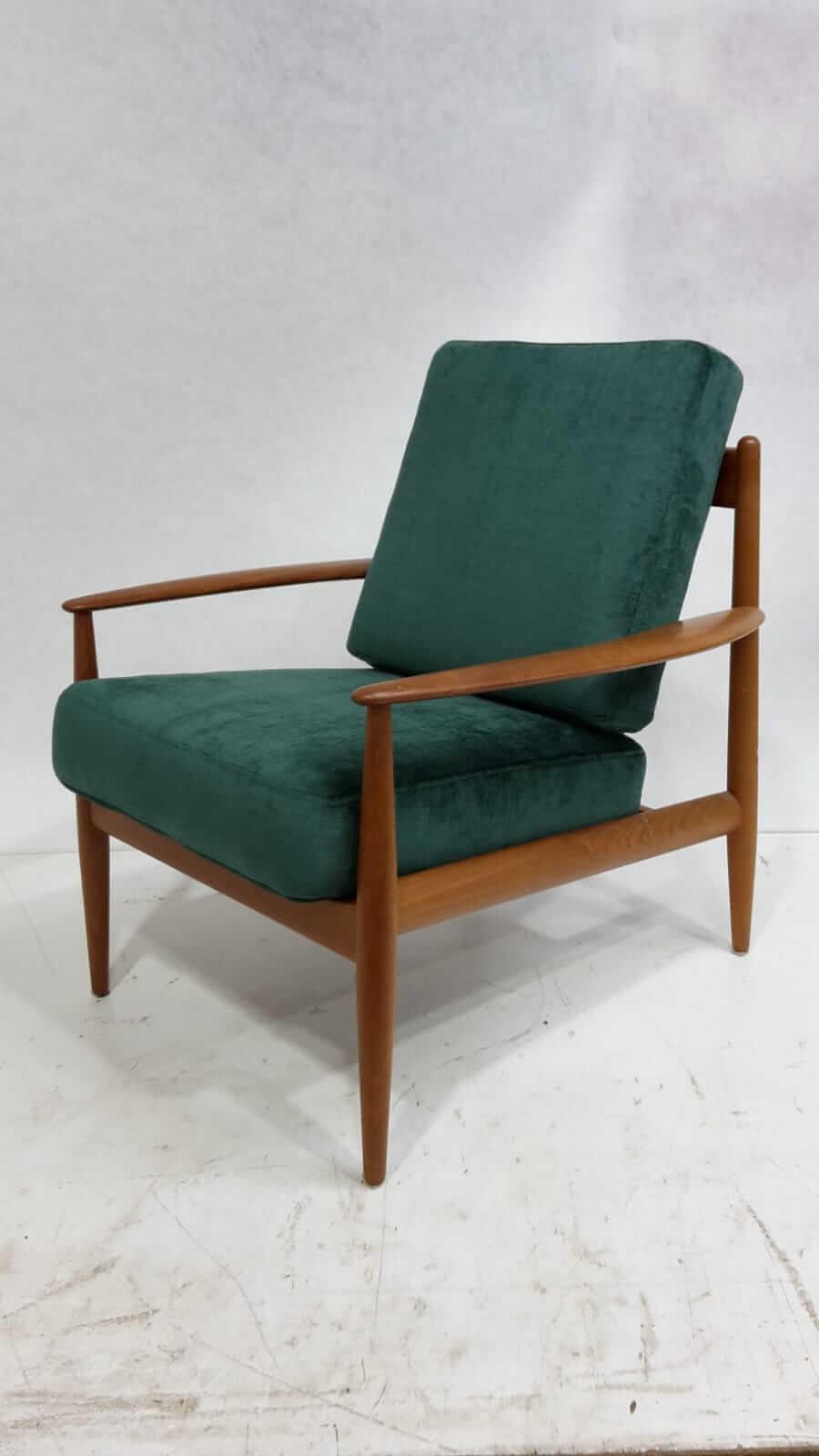 armchair-8-1
