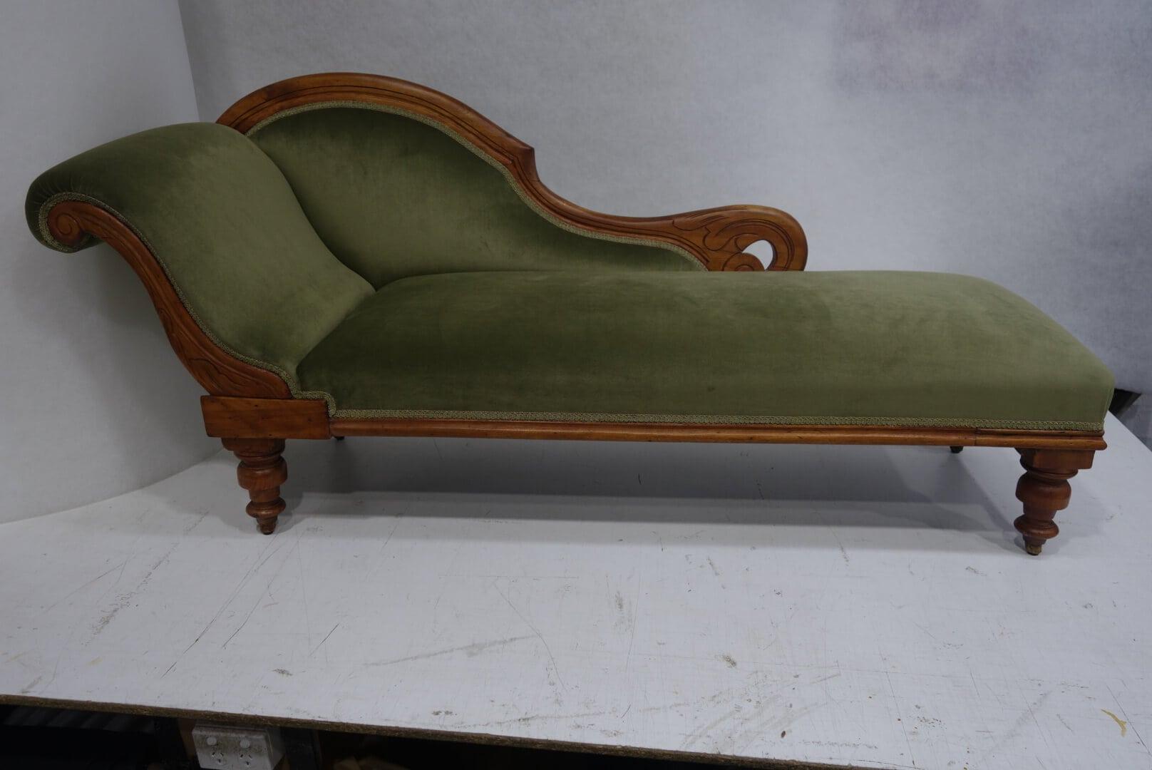 green-chaise